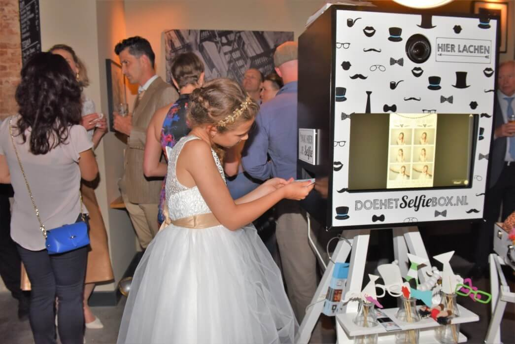 photobooth with guestbook