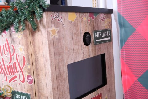 christmas enclosed photobooth